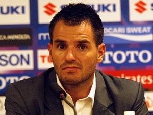 Huấn luyện viên Simon McMenemy.