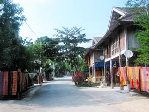 Pom Coọng (Hòa Bình)- sức hút du lịch bản Thái