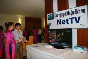 Chi nhánh Viettel tại Hòa Bình quảng bá, giới thiệu sản phẩm NetTV Viettel.