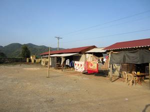 Chợ Lạc Lương (Yên Thủy) đến nay vẫn chưa phát huy hiệu quả.
