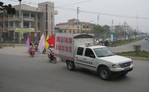 Thành phố Hoà Bình ra quân hưởng ứng ngày Dân số Việt Nam 26/12.