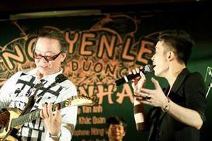 Ca sĩ Tùng Dương có nhiều hoạt động hơn so với năm trước.