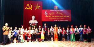 BTC trao giải cho các tiết mục đạt giải tại hội thi.