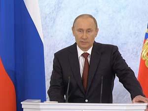 Tổng thống Vladimir Putin đọc thông điệp liên bang ngày 12-12. Ảnh: RIA NOVOSTI