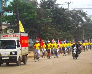 Hoạt động hưởng ứng Ngày thế giới phòng, chống HIV/AIDS của phường Tân Thịnh (TPHB) thu hút sự tham gia diễu hành truyền thông của trên 40 người.