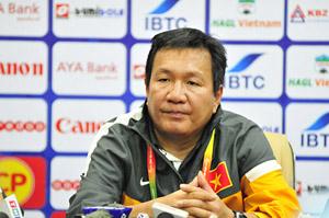HLV Hoàng Văn Phúc cho biết, U23 VN sẽ đứng dậy sau nỗi đau. Ảnh: SN