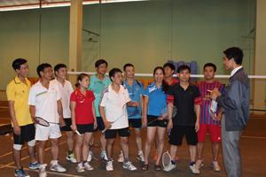 Đoàn HLV, VĐV Ngành GD&ĐT Hoà Bình tham gia Giải cầu lông Người giáo viên nhân dân toàn quốc năm 2013.