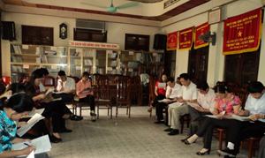 Một buổi sinh hoạt có nội dung chủ đề về giới được Hội Nông dân tỉnh thực hiện.
