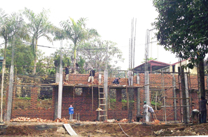 Xã Thái Thịnh (TPHB) phấn đấu đạt tiêu chí về giáo dục. Ảnh: Công trình trường tiểu học Thái Thịnh đang được đẩy nhanh tiến độ thi công.