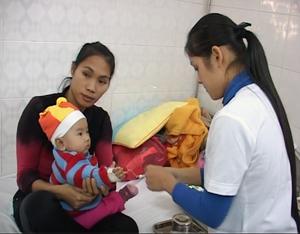Hiện tại, khoa Nhi - bệnh viện đa khoa tỉnh vẫn có những bệnh nhân phải nhập viện vì nhiễm virus Rota.