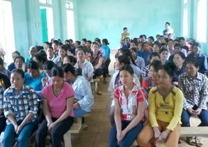 Một buổi sinh hoạt tại Hội PN huyện Cao Phong.