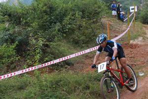 VĐV Nguyễn Văn Quang (Hoà Bình), góp công vào thành tích 3 huy chương vàng xe đạp địa hình. Riêng cá nhân VĐV này đoạt 2/3 huy chương vàng và 1 huy chương đồng.
