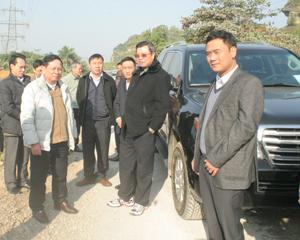 Bí thư Tỉnh ủy Bùi Văn Tỉnh kiểm tra tiến độ dự án cải tạo, nâng cấp Quốc lộ 12 B