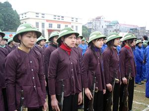 Xuất phát từ những người nông dân, LLVT của tỉnh đã không ngừng lớn mạnh qua từng trận đánh, từng giai đoạn lịch sử. Ảnh: Lực lượng dân quân du kích xã Sủ Ngòi (TPHB) thường xuyên nâng cao chất lượng công tác huấn luyện.