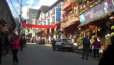 Thị trấn Sa Pa chuẩn bị đón du khách dịp nghỉ Tết dương lịch.