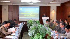 Đồng chí Bùi Văn Cửu, Phó Chủ tịch TT UBND tỉnh, Trưởng BCĐ Du lịch tỉnh phát biểu tại hội nghị.