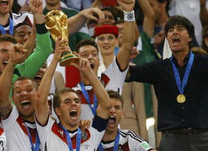 Đội tuyển Đức lần thứ tư bước lên đỉnh vinh quang, là đội tuyển châu Âu đầu tiên đoạt Cúp vàng ở Nam Mỹ.