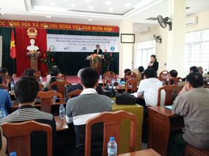 Giáo sư, Tiến sỹ Lee Dong Jin - Giám đốc Dự án phát biểu tại hội thảo.
