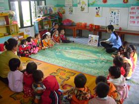 Các trường mầm non trên địa bàn huyện được đầu tư trang thiết bị dạy và học đảm bảo phát triển toàn diện cho trẻ em.