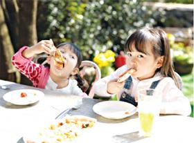 Cung cấp đủ năng lượng và dinh dưỡng cho trẻ phát triển.