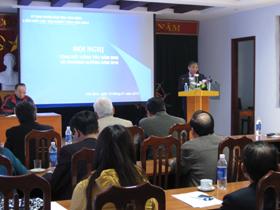 Đồng chí Doãn Mậu Diệp- Phó Bí thư Tỉnh uỷ phát biểu tại hội nghị.