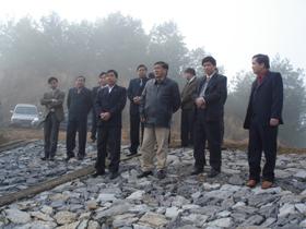 Đồng chí Bí thư tỉnh ủy kiểm tra công tác chuẩn bị, đảm bảo nguồn nước phuc vụ sản xuất tại xã Nam Thượng.