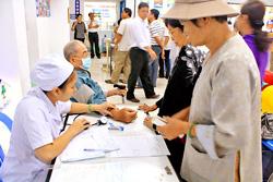 Bệnh nhân diện BHYT khám bệnh tại BV Hoàn Mỹ ngày 19-1