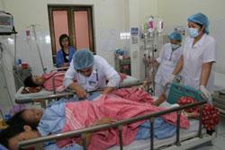 Bệnh nhân tiêu chảy cấp đang điều trị tại BV Bệnh Nhiệt đới Quốc gia năm 2008.  (Ảnh minh họa: VNN)