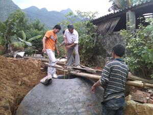 Các bể bioga được đưa vào sử dụng không chỉ ra khí đốt cho nông dân mà còn góp phần đảm bảo vệ sinh môi trường nông thôn.