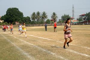 Học sinh trường THPT huyện Mai Châu luôn sôi nổi tham gia các giải thể thao do huyện tổ chức.