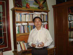 Nhà thơ Đinh Đăng Lượng.