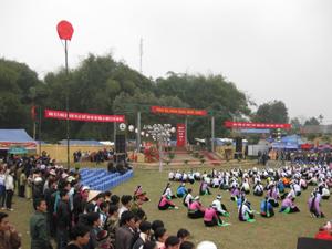 Lễ hội khai hạ Mường Bi ( Tân Lạc) lưu giữ những giá trị văn hóa đặc sắc.