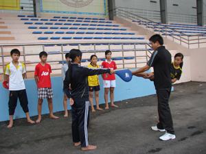 Một giờ học của thầy và trò lớp võ thuật trường phổ thông năng khiếu TDTT tỉnh.