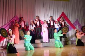 Trong các chương trình biểu diễn nghệ thuật của Hòa Bình luôn ưu tiên lựa chọn những tác phẩm mang đậm bản sắc văn hóa.