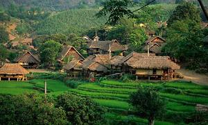 Bản Mường Giang Mỗ, xã Bình Thanh (Cao Phong) còn giữ nguyên bản sắc truyền thống, thu hút đông đảo du khách.