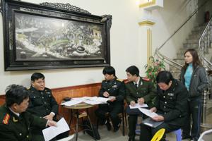 Đoàn kiểm tra liên ngành kiểm tra tại nhà nghỉ Tây Đô, phường Tân Thịnh (TPHB).