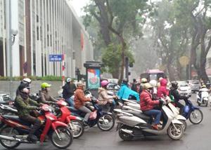 Sáng nay, Hà Nội vẫn có mưa nhỏ, trời rét.