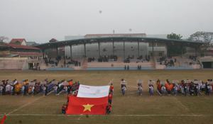 Toàn cảnh lễ khai mạc Giải bóng đá Hội khỏe Phù Đổng học sinh tiểu học, THCS năm 2013.