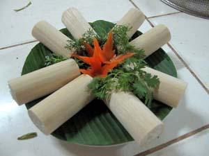 Cơm lam- đặc trưng ẩm thực Mường Động.