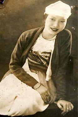 Bà Quách Thị Tèo, người đoạt vương miện trong cuộc thi Hoa hậu xứ Mường lần thứ 5.