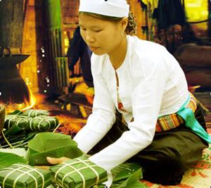 Ngày nay bà con Mường Rậm còn làm bánh chưng để cúng trong lễ cơm Đe.