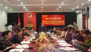 Đồng chí Nguyễn Văn Quang, Phó Bí thư TT Tỉnh ủy, Chủ tịch HĐND tỉnh phát biểu tại hội nghị