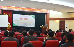 Đồng chí Hoàng Văn Tứ, TVTU, Giám đốc Sở NN&PTNT phát biểu khai mạc hội nghị.