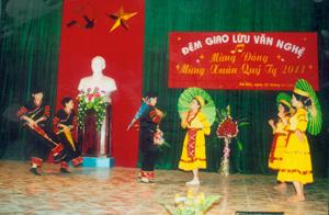 Nhiều hoạt động VH-NT do Trung tâm VH-TT huyện Đà Bắc tổ chức thực hiện đạt hiệu quả cao, thể hiện được bản sắc văn hóa các dân tộc trên địa bàn huyện.