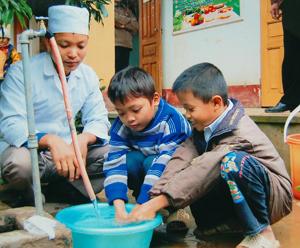 Xã Trung Bì (Kim Bôi) quản lý và sử dụng có hiệu quả công trình cấp nước sinh hoạt do Nhà nước đầu tư.