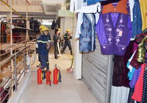 Thực hành phương án diễn tập phương án chữa cháy tại chợ Phương Lâm.