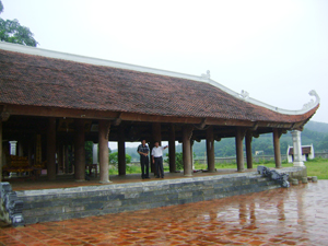 Đình Xàm, xã Phú Lai  (Yên Thuỷ) được đầu tư, phát huy được giá trị về du lịch tâm linh và là nơi sinh hoạt văn hoá tinh thần của nhân dân địa phương.