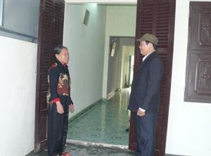 Hội NCT phường Tân Hòa (TPHB) thường xuyên quan tâm thăm hỏi hội viên neo đơn trên địa bàn phường.