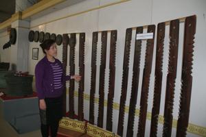 Cùng với các hiện vật khác, lịch đoi được trưng bày và thu hút được sự quan tâm của nhiều du khách.