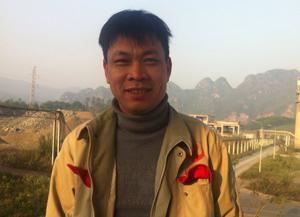 Anh Trương Xuân Mạnh, công đoàn Công ty TNHH xi măng Vĩnh Sơn.